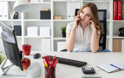Sigue estos seis consejos para hacer mejores videollamadas mientras trabajas en casa